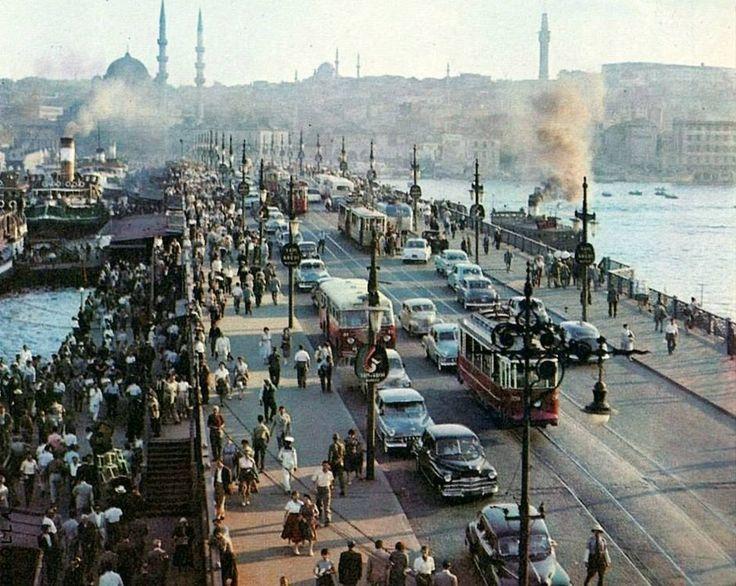 Galata Köprüsü / 1955 http://ift.tt/2rx5GrA