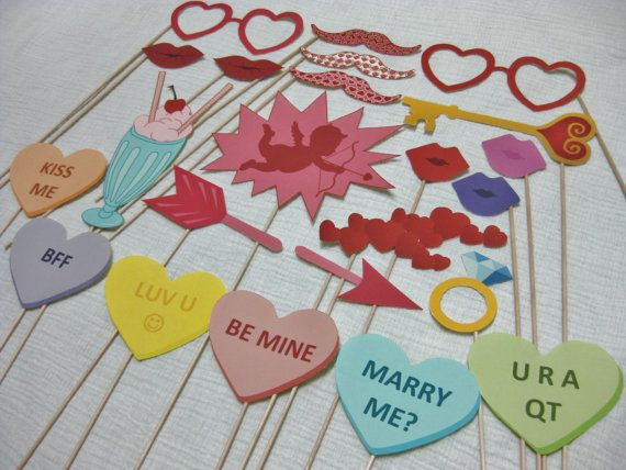PDF - Valentine's Day photo booth props/decorations/craft - printable DIY. $3.95, via Etsy.