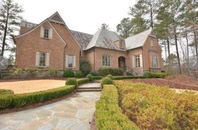 Life after bankruptcy isn't so bad! Reality star Todd Chrisley has been forced to move into some downsized digs, but by the looks of it he's still living a life of leisure in his new $2 million Atl...
