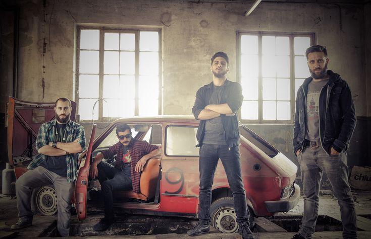 """#Interviste punk:  INFALL: Da Novara un nuovo interessante progetto Post-Hardcore http://www.punkadeka.it/infall-da-novara-un-nuovo-interessante-progetto-post-hardcore/  Con """"Nitecomes"""" gli Infall si presentano al grande pubblico, un EP ricco di adrenalina ed emozioni contrastanti che colpiscono forte sin dalle prime battute. Li abbiamo intercettati e scambiato quattro chiacchere con loro per conoscerli meglio.  Ciao ragazzi, piacere di avervi sulle..."""