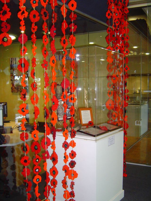 5000 poppies display