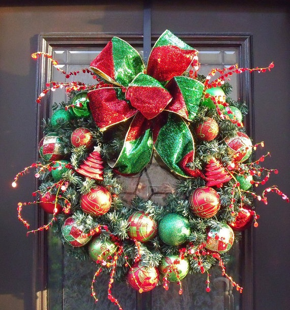 cool idea but with bright colors and maybe no bow...something to use all my fav ornaments that don't go on tree
