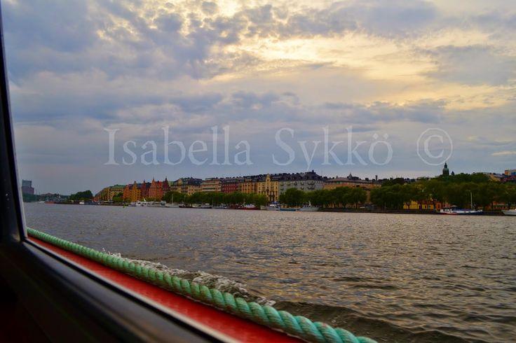 Issapixlat: Under Stockholms broar