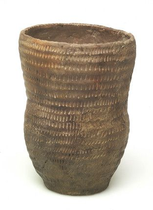 Back to Bronze Age (2200 - 700 BC)             Title:  Early bronze-age ceramic beaker