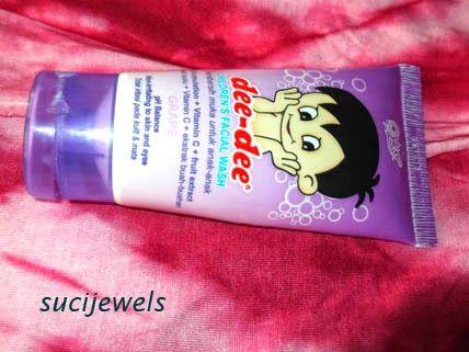 facial wash with ph balanced and non irritating to skin and eyes