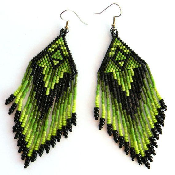 Green seed bead earrings Native American style Beaded earrings peyote earrings long earrings #beadwork #beaded #earrings #green