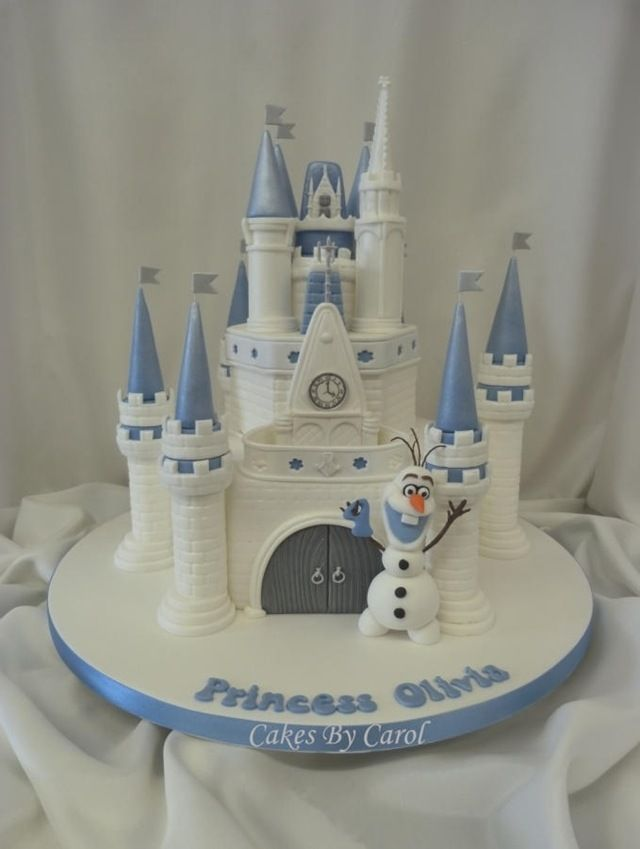 Frozen Cake ~Olaf in front of Cinderella's Castle
