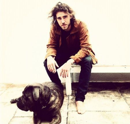 When Matt Corby sat with this big guy and made you happy sigh. | 27 Times Dogs Took Hot Guys To A Whole New Level  I JUST CANT <3