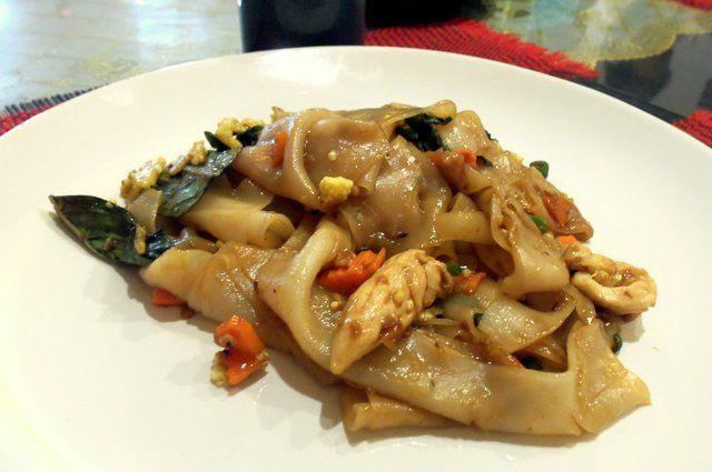 De Thaise keuken: Pad Khi Mao (Dronken noedels) | Puur Eten