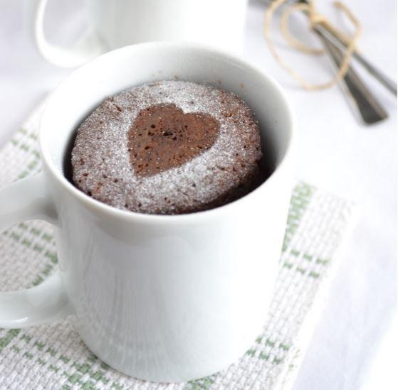 3 recetas de postres fáciles para San Valentín (algunos no te llevarán ni 10 minutos). Sorprende a tu pareja con un postre romántico este San Valentín.