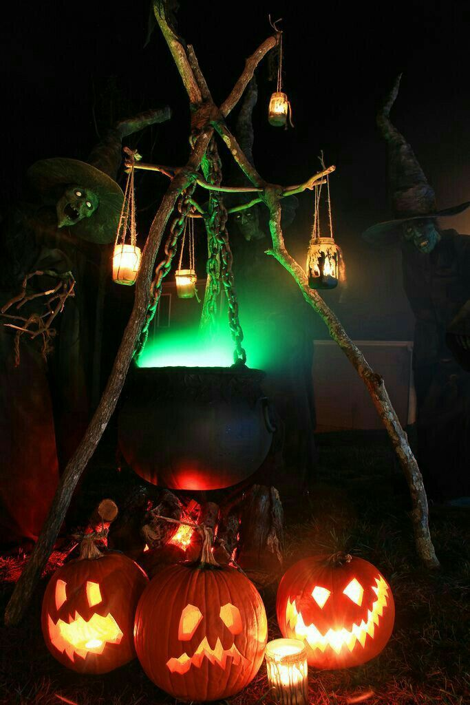 Witches Cauldron and Pumpkins Haunted House Display