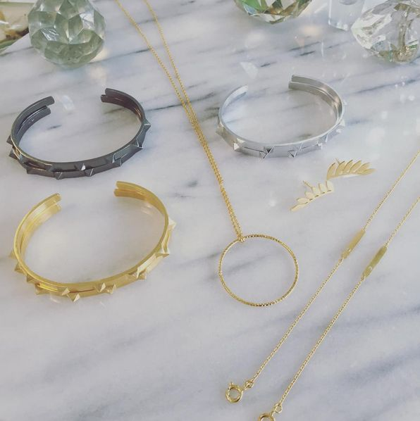 AY ✨ These babies are avalible online in a short while today #backinstock #sevenrivetsbracelet #tinselcirclenecklace #sixleaves #towerbracelet #jewelry #gold #shop #black #shopping #available #online #gogogo #jewelrylove #tgif #eyecandy #stinea #sterlingsilver #danishdesign #mixed #makeyourownlook #stineajewelry #glamgirl #mixnmatch #danishjewelry