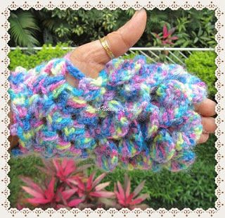Sweet Nothings Crochet: BEAUTIFULLY SCALED FINGERLESS GLOVES