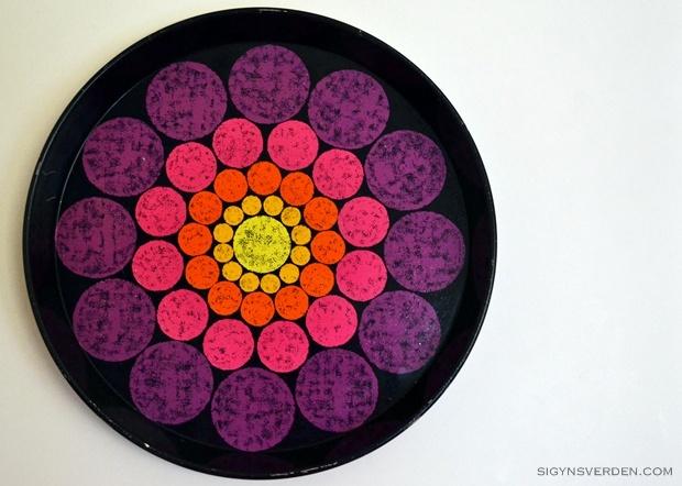 retro neon tray