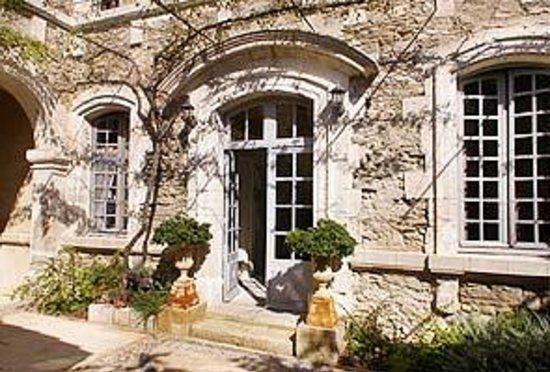 Photos of Le Posterlon, Caumont-sur-Durance - Bed and Breakfast Images - TripAdvisor