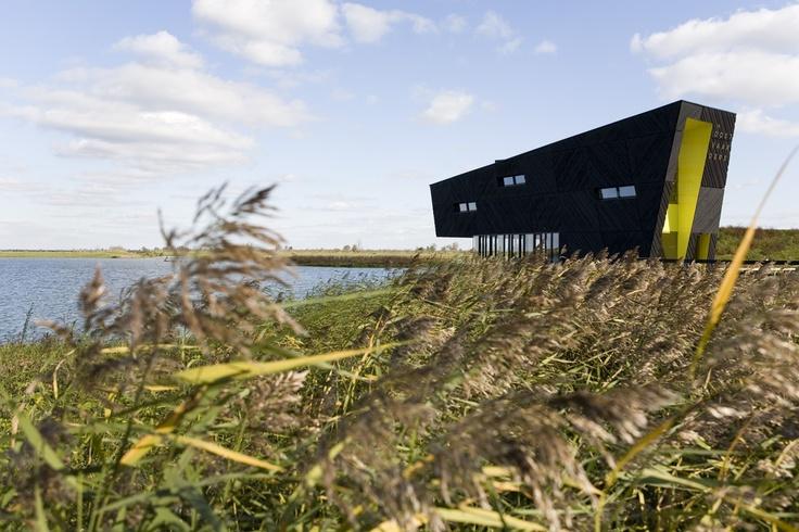 Natuurbelevingcentrum de Oostvaarders, architecten Drost + Van Veen, Rotterdam. Foto: Jorn van Eck