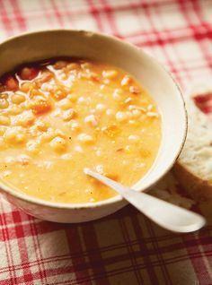 Soupe aux pois Recettes   Ricardo j'adore la soupe aux pois que j'ai mangé au Québec. Peut-être cette recette est pareille