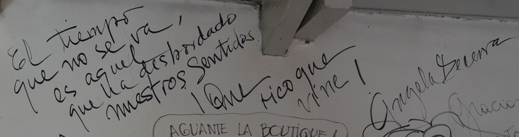 Las Firmas que fuimos recolectando en estos 30 años de la boutique del libro San Isidro
