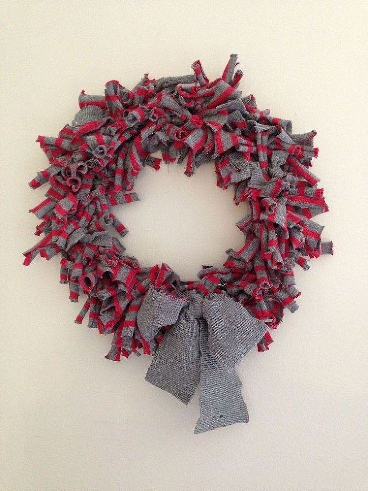 how to make a wreath using a sweater, christmas decorations, crafts, repurposing upcycling, seasonal holiday decor, wreaths