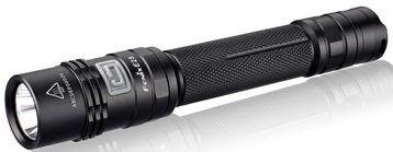 Linterna Fenix E25 version E2, con 260 lumenes. Ilumina a 180 metros de distancia. Dura hasta 72 horas con 2 pilas AA.