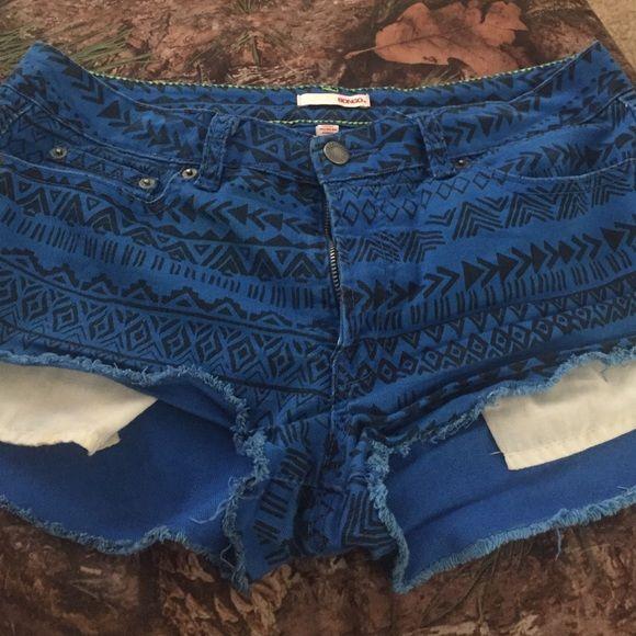 BONGO Shorts - Cute High-Waisted Aztec Shorts!!