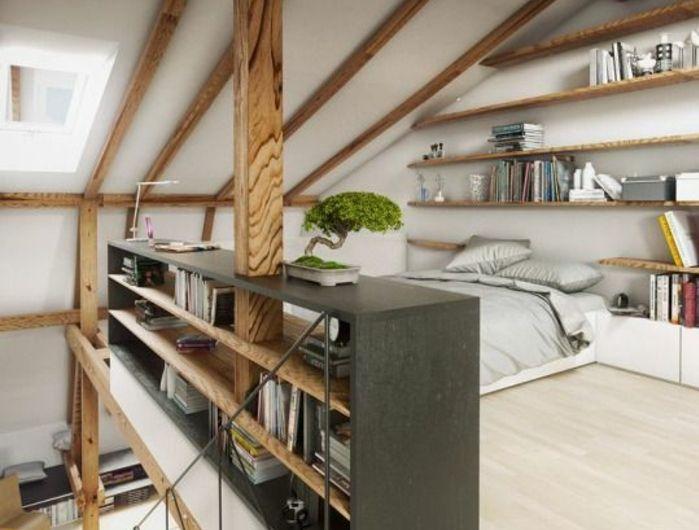 amenagement combles, chambre mezzanine, parquet stratifié clair, étagères, bibliothèque, lit, linge de lit gris, meuble mansarde de rangement