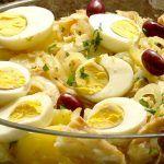 Gente, é uma delicia!!! Vocês vão amar fazer essa batata tão gostosa e simples de fazer. A Famosa Batata Hasselback.