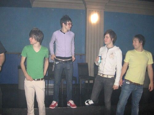p!atd back when everything was pastel and nothing hurt ; panic! At the disco ; ryan ross; brendon urie; spencer smith; jon walker; fever era; a fever you cant sweat out