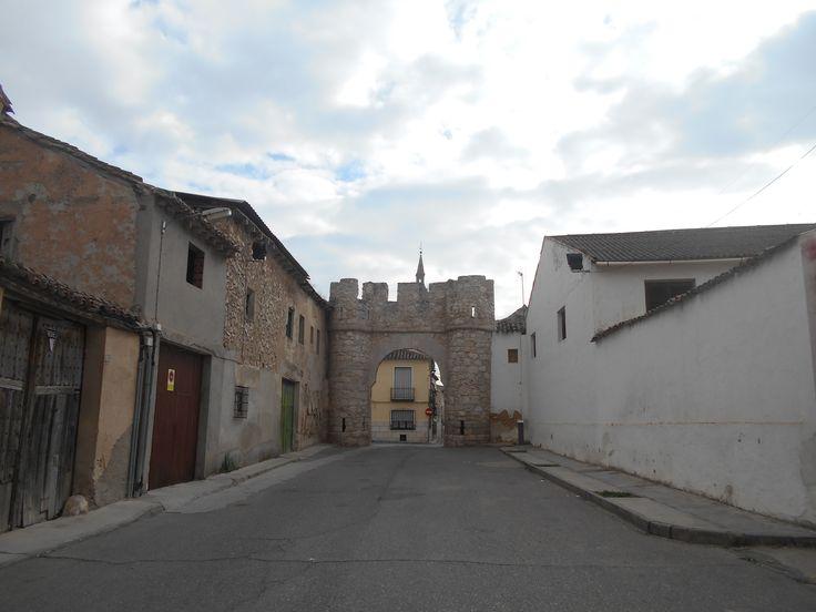 Puerta de San Miguel desde donde estaba el rollo.