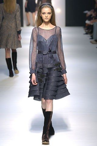 Alberta Ferretti Fall 2005 Ready-to-Wear Fashion Show - Vlada Roslyakova