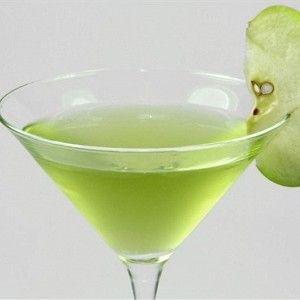 Ингредиенты для 1 порции  • Водка - 2,5 столовые ложки  • Сок яблочный - 5 столовых ложек  • Корица молотая - по вкусу  • Яблоки - по вкусу  • Лед - по вкусу