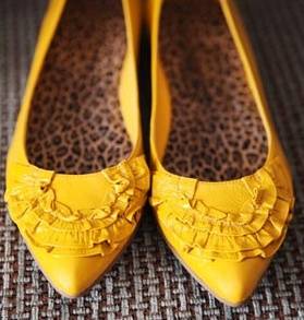 Yellow Wedding Flats ♡ I've been looking for yellow shoes!!