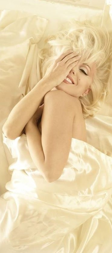 """NOT Marilyn, this is Sunny Thompson who played her in """"Marilyn: Forever Blonde"""" a play about Marilyn's life as told in her own word's..............""""Marilyn Monroe by Bert Stern Tempo da Delicadeza"""""""