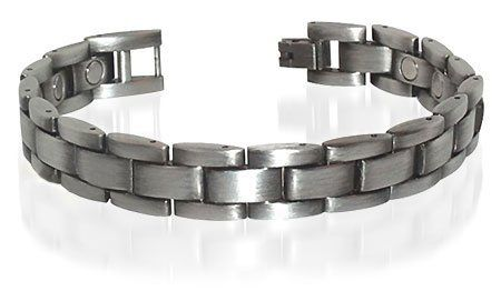 "JBM26032AS Mens Antique 0.50"" Wide Silver Magnetic Golf Link Bracelet 8.5"" Long with Fold over Clasps Gem Avenue. $10.99. Mens Antique Silver Magnetic Golf Link Bracelet 8.5 inches. 15 Magnets with 2000 Gauss each. 0.50 inch wide Bracelet. Gem Avenue sku # JBM26032AS"