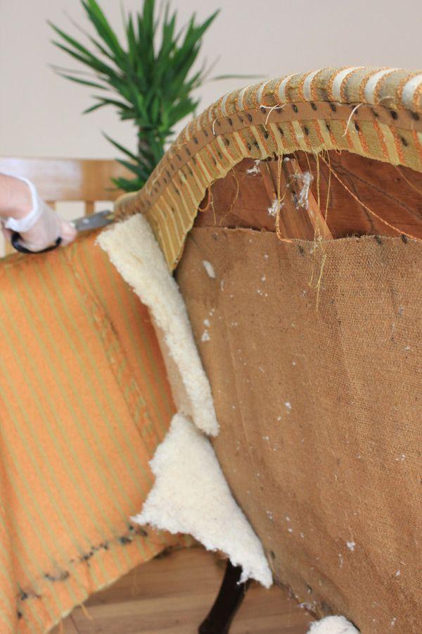 Etape 1: Il faut ouvrir toutes les coutures et se débarasser des parties usées.