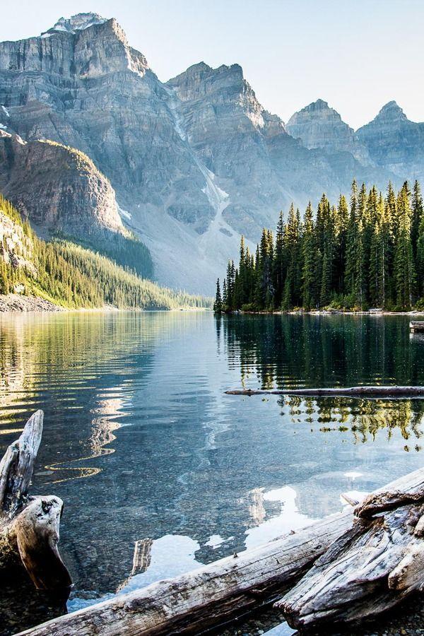 Paisaje de montaña en Alberta, Canadá.