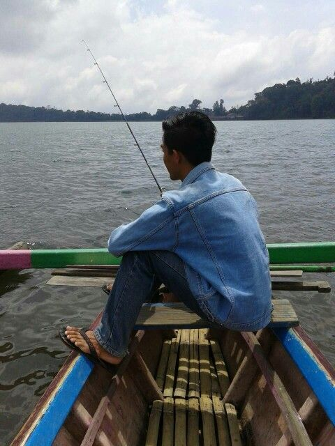 fishing on bratan lake