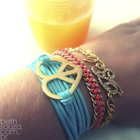 Kit Paz e amor ,pulseirismo verão 2015,pulseira Believe,pulseira simbolo paz e amor,pulseiras verão 2015. www.bethsouza.com.br