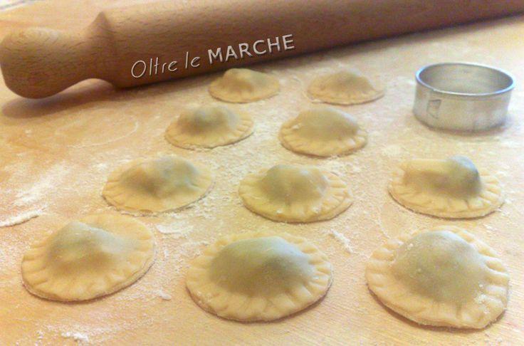 Ravioli al radicchio, pasta fatta in casa | Oltre le Marche