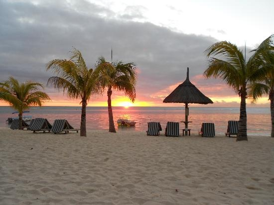 Sunset on the day we went... (Atkinson_Family_2012, Jul 2012)  Thank you to Beachcomber & Le Victoria - Mauritius