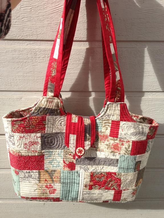 213 best Patchwork Bags images on Pinterest | Big bags, Creative ... : how to make a quilted handbag - Adamdwight.com