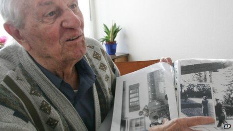 The Last Survivor from Hitler's Bunker died at the age of 96 on September 5, 2013 - Rochus Misch points on a picture of Adolf Hitler he had taken in Berchtesgarden, southern Germany - 2005