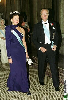 Queen Silvia wore this tiara for the Nobel Laureates Dinner on December 11, 1999.