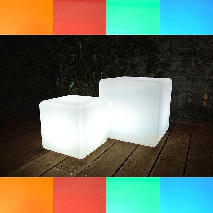 LED RGB Dice - Gjør hagen morsom med disse kule RGB LED boksene! Lampene kommer med fjernkontroll og setter garantert farge på utebelysningen. Du får de i to størrelser, kombiner de gjerne!