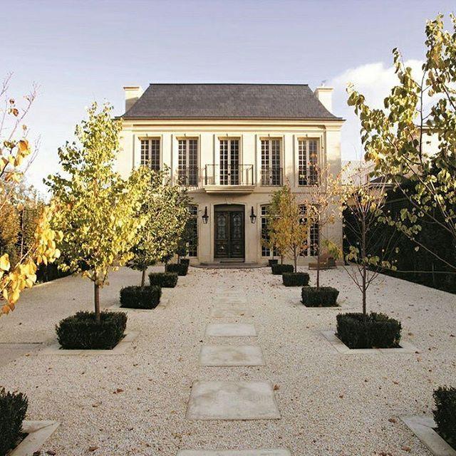 French. Gravel courtyard. Symmetry. Exterior.