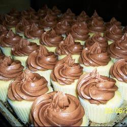 Vanille-Cupcakes mit Schokofrosting  deutsche Cupcake-rezepte