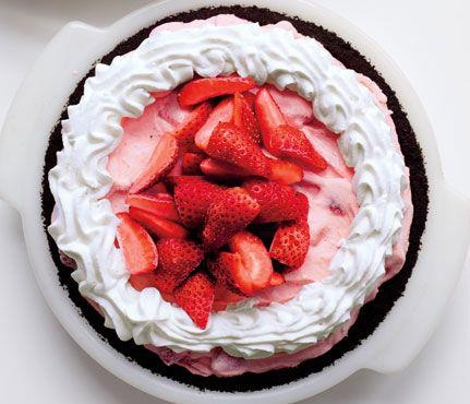 strawberry-chocolate freezer pie | SugarRush | Pinterest