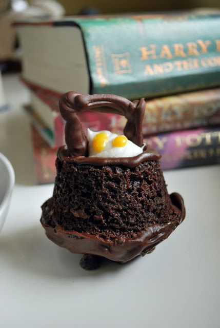 Just Another Day in Paradise: Harry Potter Cauldron Cakes