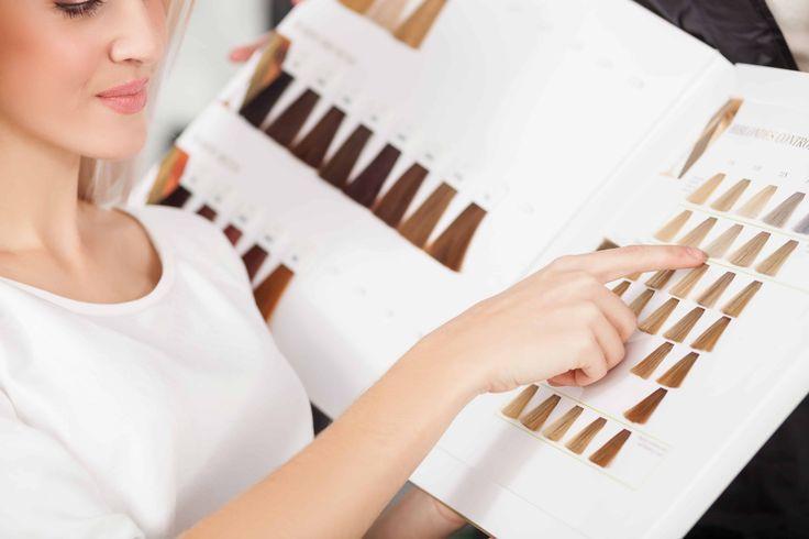 Haarkleur kiezen - wat zijn de dingen waar je rekening mee moet houden? Contrasteer je haarkleur met je huidskleur bijv. en let op de kleur van je ogen.