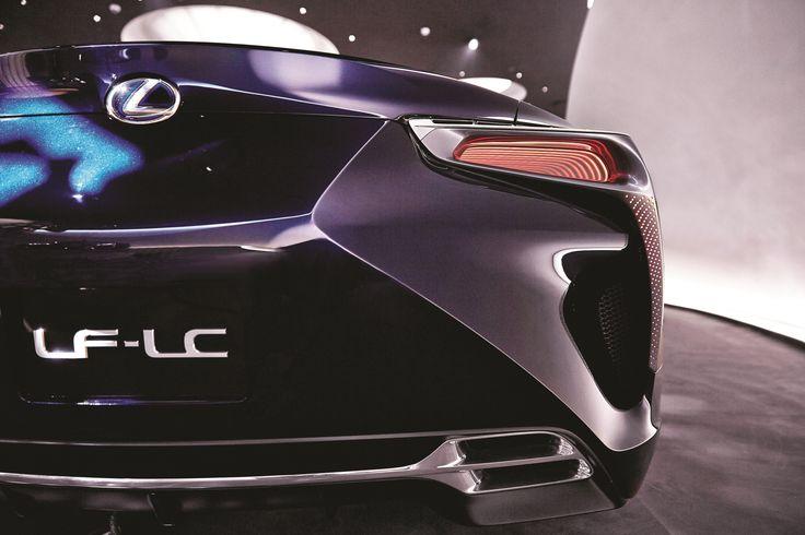 직선과 곡선이 절묘하게 하모니를 이루는 전반적인 외관 라인은 렉서스 LF-LC를 표현하는 하나의 상징이다. 예술이라 평해도 좋을 야성미 넘치는 후면의 스타일은 당대는 물론 앞으 로도 오랫동안 회자될 것이다. | Lexus i-Magazine 다운로드 ▶ www.lexus.co.kr/magazine #Lexus #Magazine #LFLC #hybrid